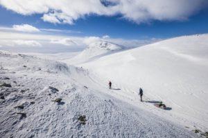 Skidsemester i Lofsdalen en vacker vinterdag
